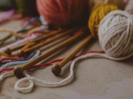 Tricot : Les Entrelacs - Plus de 3h de cours de tricot en ligne pour apprendre à faire des entrelacs |
