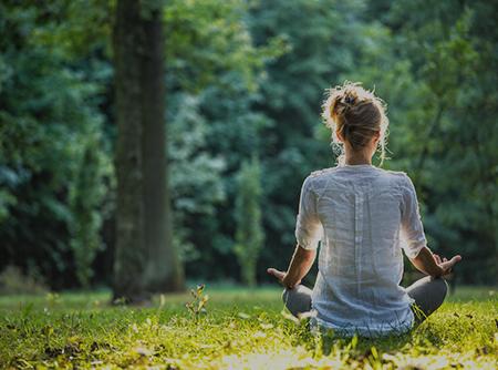 Yoga Détox - Évacuer les toxines grâce au yoga |