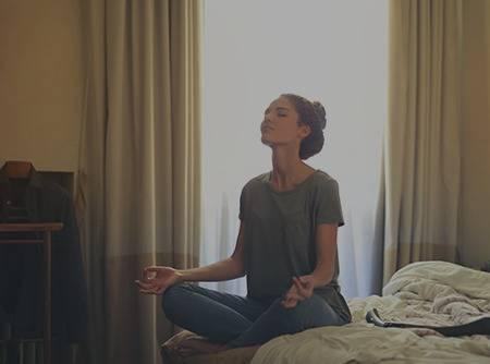 Yoga pour mieux dormir - Trouver plus facilement le sommeil grâce au yoga |