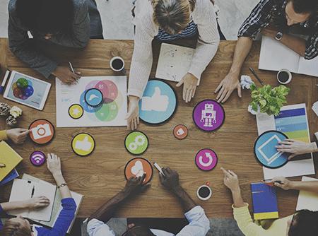 Introduction au Marketing des réseaux sociaux - Initiation à l'histoire d'internet, aux réseaux sociaux et au web marketing |