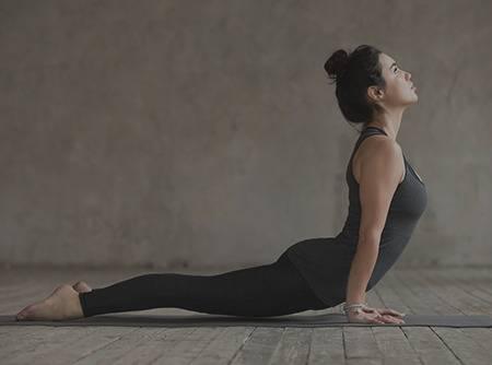 Yoga Renforcement musculaire : les Fondamentaux - 5 ateliers pour se former au yoga pour se renforcer |