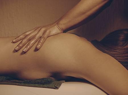 Massage du dos : les Fondamentaux - Apprendre à faire un massage du dos |