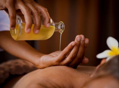 L'Abhyanga : Massage bien-être ayurvédique - Apprendre à faire un massage huilé en ligne |